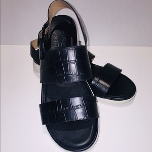 Naturalized crocodile patterned sandals